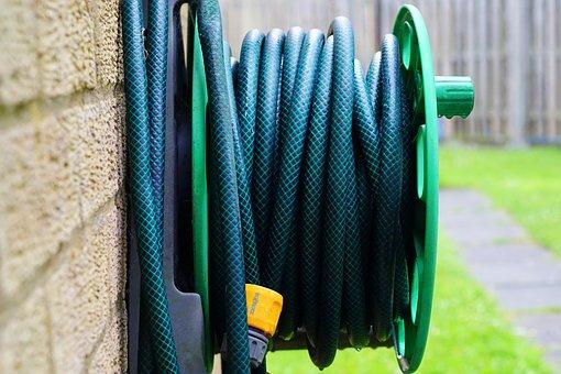 How to store garden hose